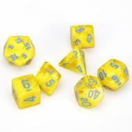 Chessex Yellow with Blue 7 die set kockica, društvena igra, porodična igra, poklon, board game, dečija igra, rođendan, pametan poklon